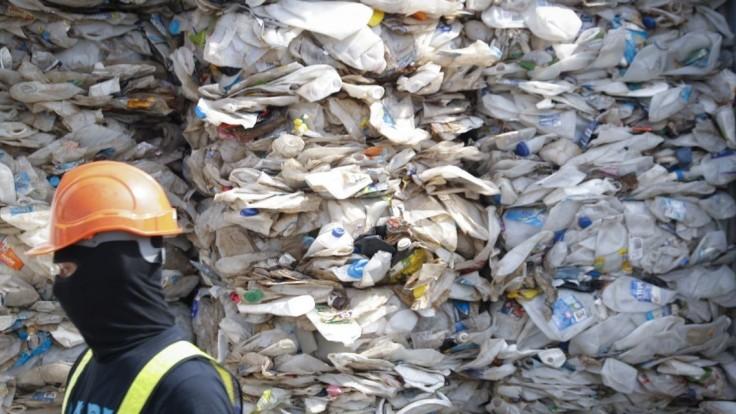Nie sme skládka, hlási Malajzia. Odpad vrátili aj do Európy