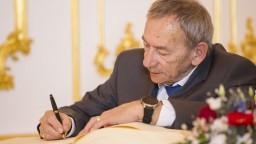 Zomrel šéf českého Senátu a dlhoročný primátor Kubera