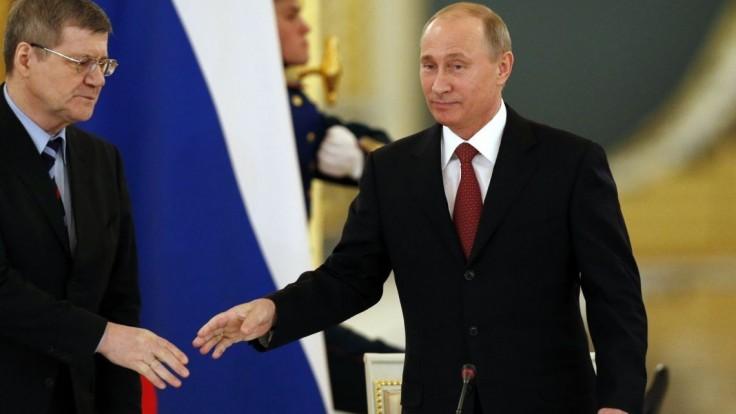 Putin pokračuje v zmenách, skončiť má generálny prokurátor