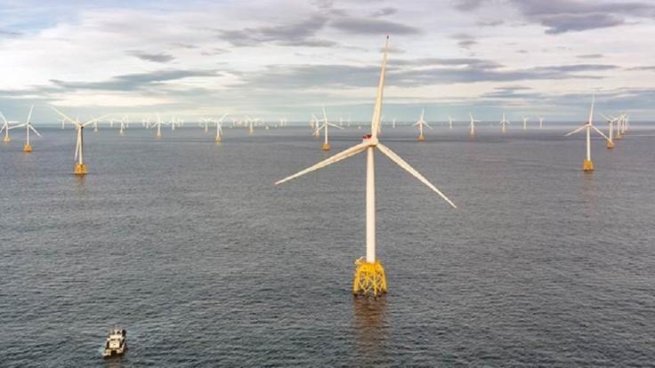 Začala sa výstavba najväčšej pobrežnej veternej elektrárne na svete