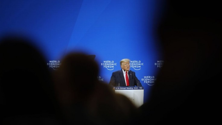 Trump v Davose chválil kroky svojej vlády, vypočula si ho aj Greta