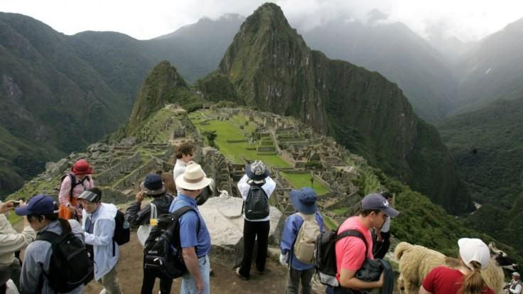 Machu Picchu ničili turisti. Ruiny budú strážiť kamery a drony