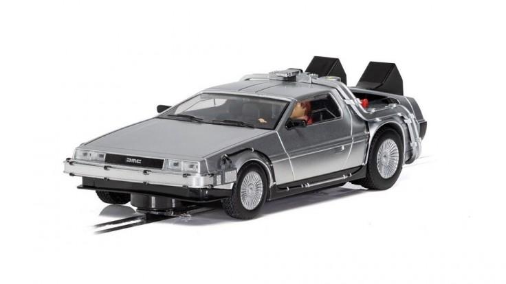Na autodráhach budú pretekať už aj obľúbené autá z filmov a seriálov