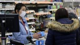 Koronavírus predstavuje globálny stav núdze, naliehajú experti