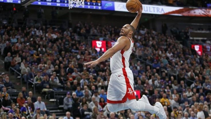 NBA: Rockets vyhrali aj bez ťahúňov, v Utahu ich zastúpil Gordon