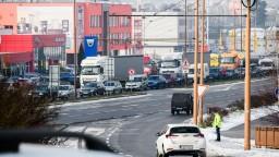Analyzovali návrh kamionistov, vláda schválila vlastnú ponuku