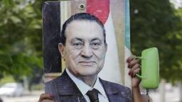 Zomrel muž, ktorý desaťročia vládol Egyptu, Husní Mubarak