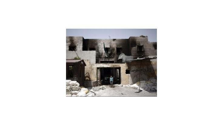 Sýria je v regióne izolovaná, povstalci koketujú s al-Kájdou