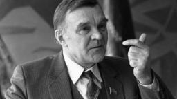 Bojoval v Stalingrade i na Dukle. Zomrel spisovateľ Bondarev