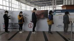 Kórea zavedie elektronické náramky, pomôžu v boji s vírusom