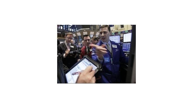 Ekonomická kríza znížila hodnotu európskych akcií na polovicu