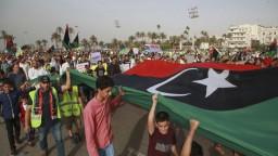 Preberám riadenie Líbye, oznámil Haftar. Vraj ide o vôľu národa