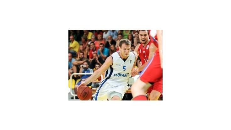 Slovenskí basketbalisti so vztýčenými hlavami podľahli Srbom
