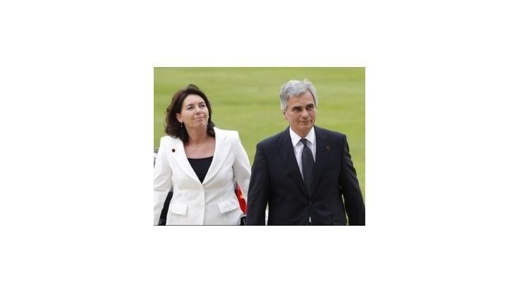 Rakúsky kancelár podporuje žiadosť Grékov o dlhšie splácanie úverov