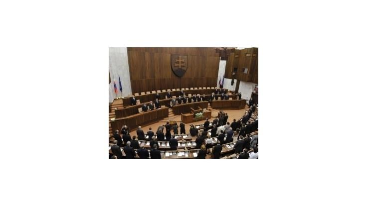 Matovičovci chcú zrušiť zákon o poslancoch