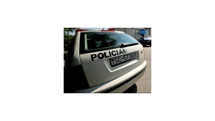 Polícia hľadá vodiča, ktorý zrazil dve chodkyne a ušiel