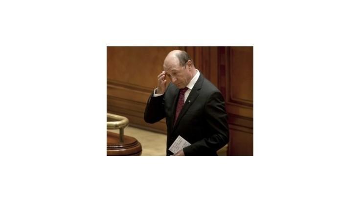 Rumunský parlament dal zelenú návratu prezidenta Basesca