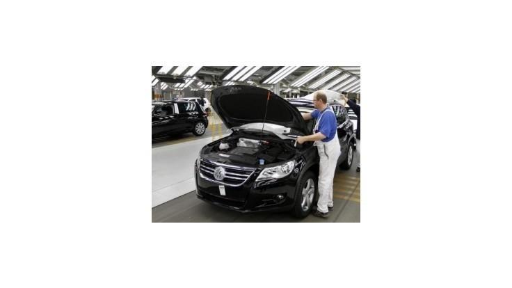 Agentúra S&P zlepšila výhľad ratingov automobilky Volkswagen
