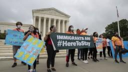 Trump naďalej bojuje proti programu, ktorý chráni migrantov