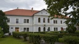 Prvé slovenské literárne gymnázium končí, nemá dosť študentov