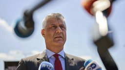Kosovský prezident prišiel na výsluch, obvinený je z vojnových zločinov