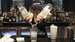 Kalifornia zatvára bary i reštaurácie, nakazení pribúdajú