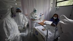 Skúmali infikovaných pacientov, časť mala problém so srdcom