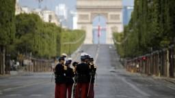 Francúzi si pripomínajú dobytie Bastily, slávnosť ovplyvnil vírus