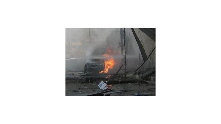 V rušnej štvrti Benghází vybuchlo auto, vodič zahynul
