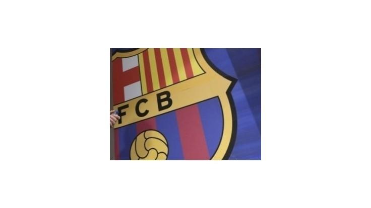 Barcelona zvíťazila nad Valenciou aj bez trénera, Real prvýkrát vyhral