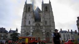 Počas požiaru Notre Dame sa uvoľnilo olovo, našli ho aj v mede
