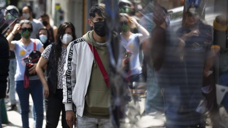 Pandémia môže trvať dlho, varuje WHO. Nebezpečenstvo vraj trvá
