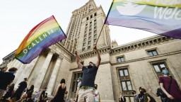 LGBT aktivistka skončila v putách, jej prepustenie žiadali davy