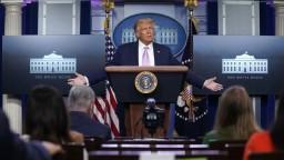 Trump chce obnoviť sankcie voči Iránu. Nemá právo, myslí si EÚ