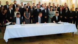 Maďarské strany podpísali v Komárne deklaráciu