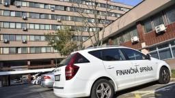 Na čele finančnej správy sú voľné miesta, hľadajú riaditeľov