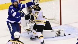 NHL: Pre Boston sa sezóna skončila, Tampa postúpila do finále