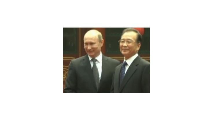 Čína a Rusko vyzvali APEC na užšiu spoluprácu s cieľom podporiť región