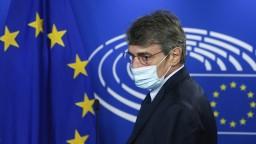 Europarlament si uctil Chovanca, šéf žiada dôkladné vyšetrenie