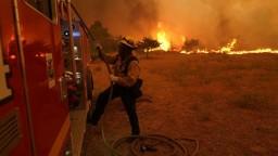 Požiar v Kalifornii naďalej zúri, hasiči zlikvidovali len zlomok