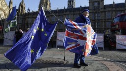 Spolupracovník TA3 P. Mikitič o britskom zákone ohrozujúcom brexit