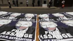 Psychiater po návšteve Assangea: Je v akútnom ohrození
