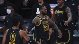 NBA: LA Lakers delí od postupu jedna výhra, zdolali Denver