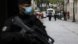 Jasný čin terorizmu, tvrdí minister. Po útoku zadržali podozrivých