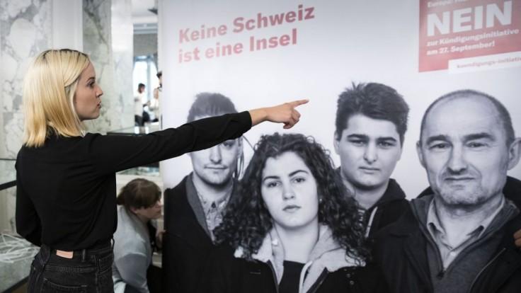 Švajčiari rozhodli v referende o migrácii, šéfka EK výsledky víta