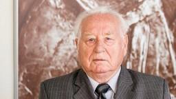 Bol nositeľom pápežského rádu. Zomrel prvý rektor UKF Liba