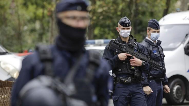 Zistili, čo chcel spraviť muž útočiaci pri redakcii Charlie Hebdo
