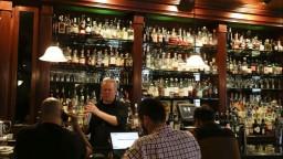 Nové opatrenia zasiahnu majiteľov reštaurácií a barov, hrozí prepúšťanie