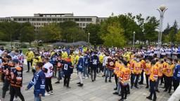 Pod oknami premiéra sa konala nezvyklá demonštrácia hokejistov