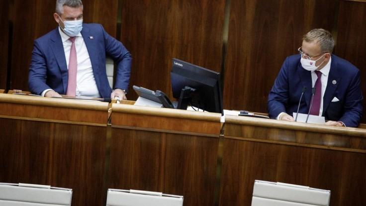 Zostaňte vo funkcii, požiadal Kollár podpredsedu Pellegriniho